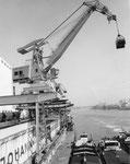 Der grosse SILAG-Kran im St.Johann-Hafen, erbaut in den 70er-Jahren von Eisenbau Wyhlen (vorm.Alb.Buss & Cie AG) Foto: Eisenbau Wyhlen 1970