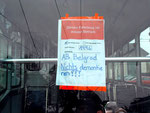 Hinweispapier in den DÜWAG-Trams und im Anhängewagen vor dem Depot Dreispitz, Oktober 2015