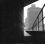 Die Rheinhafen Unterführung vom Hafenbecken 1 zum Hafenbecken 2 (oder umgekehrt), 1960