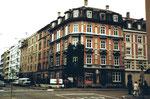 Das markante Eckhaus mit dem Zigarrenladen Hammerstrasse/Amerbachstrasse im Jahre 1980