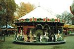 Die Herbstmesse in Basel auf der Rosental-Anlage mit der Resslirytti im Jahre 1984