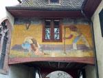 Nochmals das Wand-Gemälde von Niklaus Stöcklin am Eingang des Lohnhofs, Fasnacht März 2019