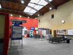 Die ungemütliche und hässliche Wartehalle des französichen Bahnhofs SNCF im Jahre 2016