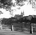 Der obere Rheinweg mit Blick gegen das Münster, 1958