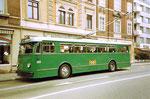 Der Trolleybus Nr.359 auf der Linie 33 in der Feldbergstrasse, 1972