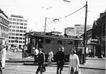 Der Schienenreinigungs-Motorwagen Nr. 2030 am Aschenplatz, 1971