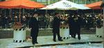Die Fasnacht 1984 am Claraplatz mit dem Fasnachtscomité und dem Ehren-Obmann Philipp Fürstenberger