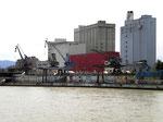 Der St.Johann-Hafen vor dem Abbruch, 2008 (leider wurde keiner der Kräne als technisches Denkmal und als Erinnerung an den St.Johann-Hafen stehen gelassen!!!)