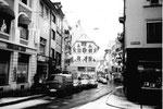 Die Gerbergasse vor der langersehnten Umgestaltung zur Fussgängerzone im Jahre 1975