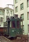 Der Trammotorwagen Be 2/2 Nr. 140 im Hof des Kinderspitals Basel an der Römerstrasse, 1970