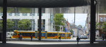 Blick unter der neuen Messe-Halle hindurch in die Clarastrasse