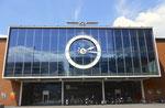 Der architektonisch schöne Eingang zur Rundhofhalle, Baujahr 1953, Architekt Hans Hofmann (1897-1957), Foto 2016