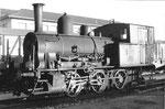 Die Rheinhafen-Dampflokomotive «Tigerli» E 3/3 Nr.8474 der Schweizerischen Reederei an einem Sonntagvormittag, 1972
