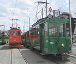 Betriebstag 50 Jahre Tramclub Basel: Der Trammotorwagen Be 2/2 Nr.156 und der Schneepflug Be 2/2 Nr.2022 beim Dreispitz-Depotareal, Juni 2018