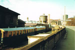 Die Nauenstrasse mit Blick auf das Lokdepot und den Wasserturm des Bahnhofs Basel SBB, 1982