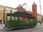 Hundert Jahre Tram nach St.Jakob. Motorwagen Be 2/2 Nr.47 auf der Linie 22 an der Haltestelle Marktplatz; im Hintergrund das Rathaus, 201
