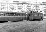 Der Trammotorwagen Be 2/2 Nr. 2017 bei Rangierarbeiten im Gelände des damals frei zugänglichen Depot Wiesenplatz, 1970
