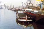 Das Hafenbecken 1 im Jahre 1977 mit dem «MS Weserbergland» aus Bremen