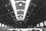 Muba-Halle 6 (Innenansicht der ehemals riesigen Halle) im Jahre 1980 (ehemalige Sporthalle mit Radrennbahn!)