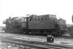 Nochmals eine Tenderansicht der Dampflokomotive BR 052 838-0 im Bahnbetriebswerk Haltingen, 1971