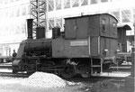 Eine der zwei Rheinhafen-Dampflokomotiven der Schweizerischen Reederei während eines Wochenendes, 1972