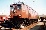 Die SBB-Lokomotive Ae 3/6 II Nr.10439 mit Stangenantrieb beim Güterbahnhof Wolf