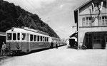"""Die """"modernere"""" Waldenburger-Bahn ungefähr 1955,  Postkarte Photo Müller, Waldenburg"""