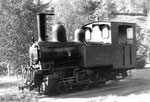 """Die Dampflokomotive Nr.5 """"Gideon Thommen"""" der Waldenburger-Bahn als «Denkmal»(!!!) in Liestal 1970"""