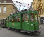 Hundert Jahre Tram nach St.Jakob. Motorwagen Be 2/2 Nr.156 und der Sommerwagen C2 Nr.281 auf der Linie 22 die Haltestelle Schifflände verlassend, 2016