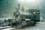 Die kleine Dampflokomotive der VON ROLL in Choindez im Mai 1995