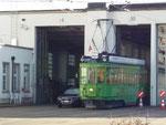 Der Trammotorwagen Be 4/4 Nr.450 (Dante Schuggi) beim Depot Morgarten, Oktober 2017
