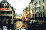 Die Falknerstasse mit der eindrücklichen Weihnachsbeleuchtung an Weihnachten 1980