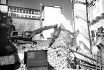 Abbruch der Häuserreihe an der Rebgasse beim Claraplatz, 1985