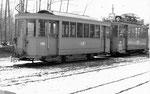 Rangier-Trammotorwagen Be 2/2 Nr.2016 mit dem Anhängewagen Nr.1186 auf dem Abstellgeleise Eglisee, 1969