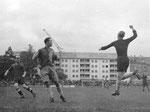 Der FCB-Torhüter Paul Wechlin während des Spiels FC Basel - FC St.Gallen im Stadion Landhof 1944