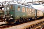 Der originelle SBB-Triebwagen Be 4/6 Nr.1603 unter der Passerelle beim Güterbahnhof Wolf