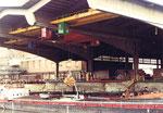 Die grosse und architektonisch sensationelle Umschlaghalle der Schweizerischen Reederei im Hafenbecken 1, 1979