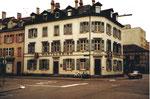 Gesamtansicht des Eckhauses Restaurant Amerbach, Ecke Hammerstrasse/Amerbachstrasse 1977