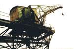 Der St.Johann-Hafen mit dem ältesten Kran der Basler Häfen von der Firma SPEDAG, 1972 (1984 leider verschrottet)