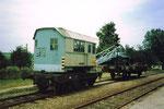 Der historische Eisenbahnkran der Kandertalbahn auf einem Abstellgeleise im Bahnhof Wollbach 1980