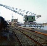 Der St.Johann-Hafen mit dem renovierten Kran der SPEDAG, 1978 (leider 2009 verschrottet)