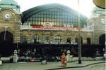 Der Bahnhof SBB mit dem Vorplatz und der Fussgängerunterführung 1985
