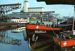 Ansichtskarte Basel Rheinhafen, Hafenbecken 1 (Rückseite der Karte durch aufkleben beschädigt: Verlag & Photo ?)
