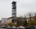 Die Johannes-Kirche im Bauhausstil der 30er-Jahre an der Mulhauserstrasse, Baujahr 1936 von den Archtekten Karl Egender und Ernst Friedrich Burckhard, 2016