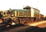 Die legendäre und starke SBB-Krokodillokomotive im Wolf-Güterbahnhof in Basel, 1985