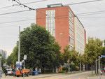 Ein mit schönen Sichtbacksteinen gebautes Fabrikationsgebäude der CIBA an der Ecke Klybeck- und Mauerstrasse im Juni 2018