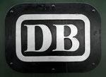 Das alte DB-Signet an der E-Lok 194 181-4 im Bad.Bahnhof Basel, 1979
