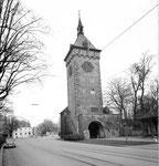 St.Johanns-Tor mit dem St.Johanns-Platz und dem Restaurant «St.Johann» im Hintergrund im Jahre 1974