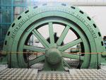 Eine alte Francis-Turbine von Brown-Boveri in der Maschinenhalle des Kraftwerks Augst, 2018