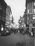 Blick vom Marktplatz in die Freie Strasse mit der wunderbaren Weihnachtsbeleuchtung, 1982